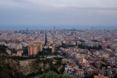 Barcelona stad som tänds upp på på natten Royaltyfria Bilder