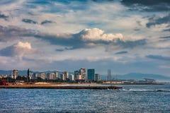 Barcelona-Stadt-Skyline-Seeansicht stockbild
