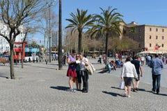 Barcelona Turyści na miasto ulicie Zdjęcia Royalty Free