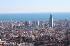 Barcelona vista das alturas de Collserola, a área da torre de AGBAR Foto de Stock Royalty Free