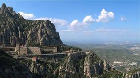 Barcelona, wrzesień 2017: sławny pielgrzymki miejsce Montserrat góra zbiory wideo