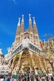 Barcelone, Espagne - 18 avril 2016 : Cathédrale principale de façade de La Sagrada Familia Photos stock