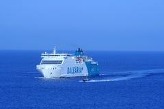 BARCELONE, ESPAGNE - 24 juillet : le bateau Balearia+ raye le titre à Images stock