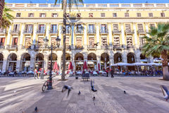 BARCELONE, ESPAGNE - 10 novembre : Plaza vrai Placa Reial La Catalogne carrée royale Photo libre de droits