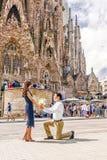 BARCELONE, ESPAGNE - 15 SEPTEMBRE 2015 : dans l'amour avec des confes d'un homme Photos stock