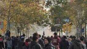 Barcelone, Espagne 12 21 2018 : Soulèvement nationaliste catalan contre le gouvernement et la police de l'Espagne à Barcelone banque de vidéos