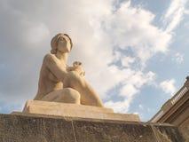 Barcelone Fontain magique fait du jardinage statue à la journée image libre de droits