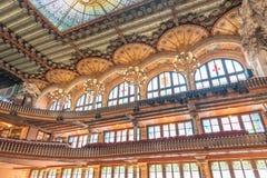 BARCELONE - 11 MAI 2018 : Intérieur catalan de palais de musique jpg d'une image de vecteur Image stock