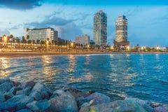 Barceloneta på natten arkivfoto