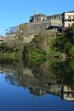 Barcelos-Denkmalschutz und der Fluss Lizenzfreie Stockbilder