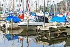 Barche al porticciolo Huizen. Immagine Stock Libera da Diritti