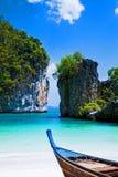 Barche alla bella spiaggia Fotografia Stock