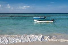 Barche alla spiaggia Barbados di Worthing Immagine Stock