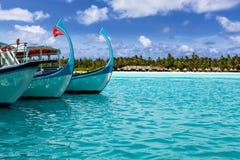 Barche attraccate nella baia Fotografie Stock