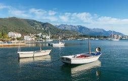 Barche in baia di Cattaro montenegro Immagini Stock Libere da Diritti