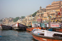 Barche in Benares Immagini Stock