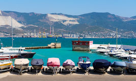 Barche che parcheggiano sul Mar Nero Fotografia Stock