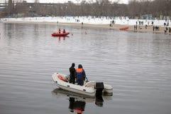 Barche dei bagnini sull'acqua nell'inverno Fotografia Stock