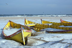 Barche del pescatore sulla spiaggia Fotografia Stock Libera da Diritti