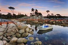 Barche della baia 2 della Tasmania Bnalong Fotografie Stock