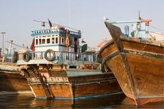 Barche della Camera in Dubai Creek Fotografia Stock Libera da Diritti