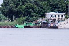 Barche di abitazione birmane sul Irrawaddy fotografie stock libere da diritti