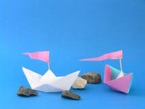 Barche di carta fotografie stock