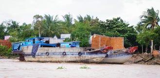 Barche di fiume di legno sul fiume di Can Tho Fotografia Stock Libera da Diritti