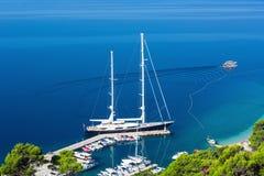 Barche di lusso in Makarska riviera, Croazia Fotografia Stock