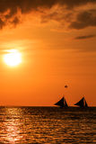 Barche di navigazione al tramonto Immagine Stock Libera da Diritti