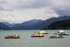 Barche di svago sul lago Fotografia Stock Libera da Diritti