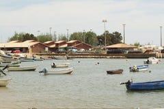 Barche, mare ed il Portogallo sole- Fotografia Stock Libera da Diritti