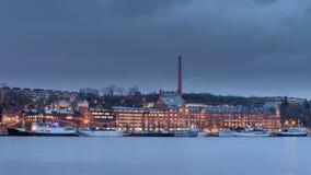 Barche messe in bacino in lago Mälaren, Svezia immagine stock libera da diritti