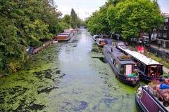 Barche nel canale a Londra Fotografia Stock