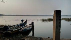 Barche nel fiume Fotografia Stock