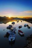 Barche nel fiume del Th di Plentzia ad alba Fotografia Stock
