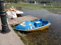 Barche nel lago Mansbal Fotografia Stock