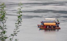 Barche nel lago sanguinato, Slovenia immagini stock libere da diritti