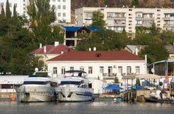 Barche nel porto di Balaklava Fotografia Stock