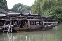 Barche nella città dell'acqua Immagine Stock