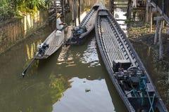 Barche nella piccola baia Fotografia Stock