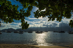 Barche nella spiaggia fotografia stock libera da diritti