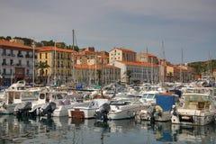 Barche parcheggiate Vendres del porto france 13 giugno 2015 Immagine Stock
