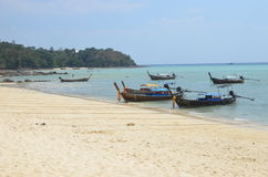 Barche a Phi Phi Island stupefacente Fotografie Stock Libere da Diritti