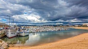 Barche spagnole tipiche in porto Palamos, il 19 maggio 2017 Spagna Fotografia Stock