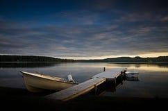 Barche su un lago in Scandinavia Fotografia Stock Libera da Diritti