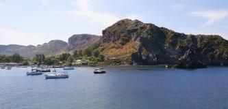 Barche su un mare, isole di Lipari Fotografia Stock Libera da Diritti