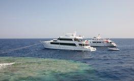 Barche su una scogliera Immagine Stock Libera da Diritti