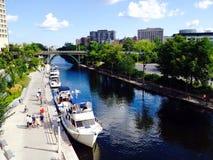 Barche sul canale in Ottawa Immagine Stock