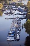 Barche sul fiume Immagini Stock